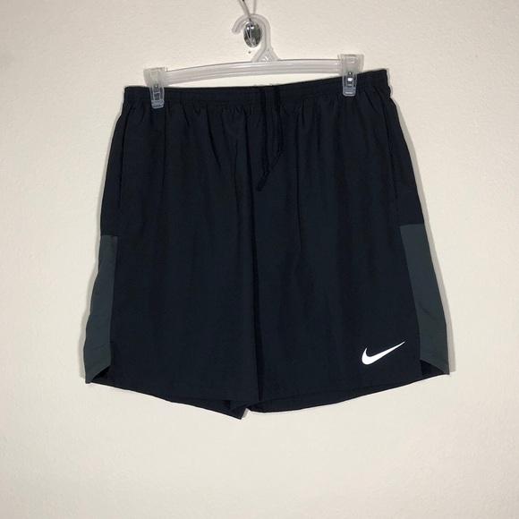 Black Nike Athletic Shorts Men's XXL